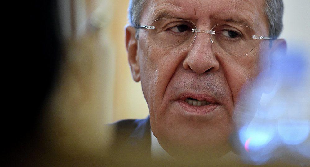 Les Etats-Unis essaient de créer un gouvernement alternatif dans des pans entiers de la Syrie déclare Lavrov infirmant le retrait des troupes russes d'Afrin (Russia Today)
