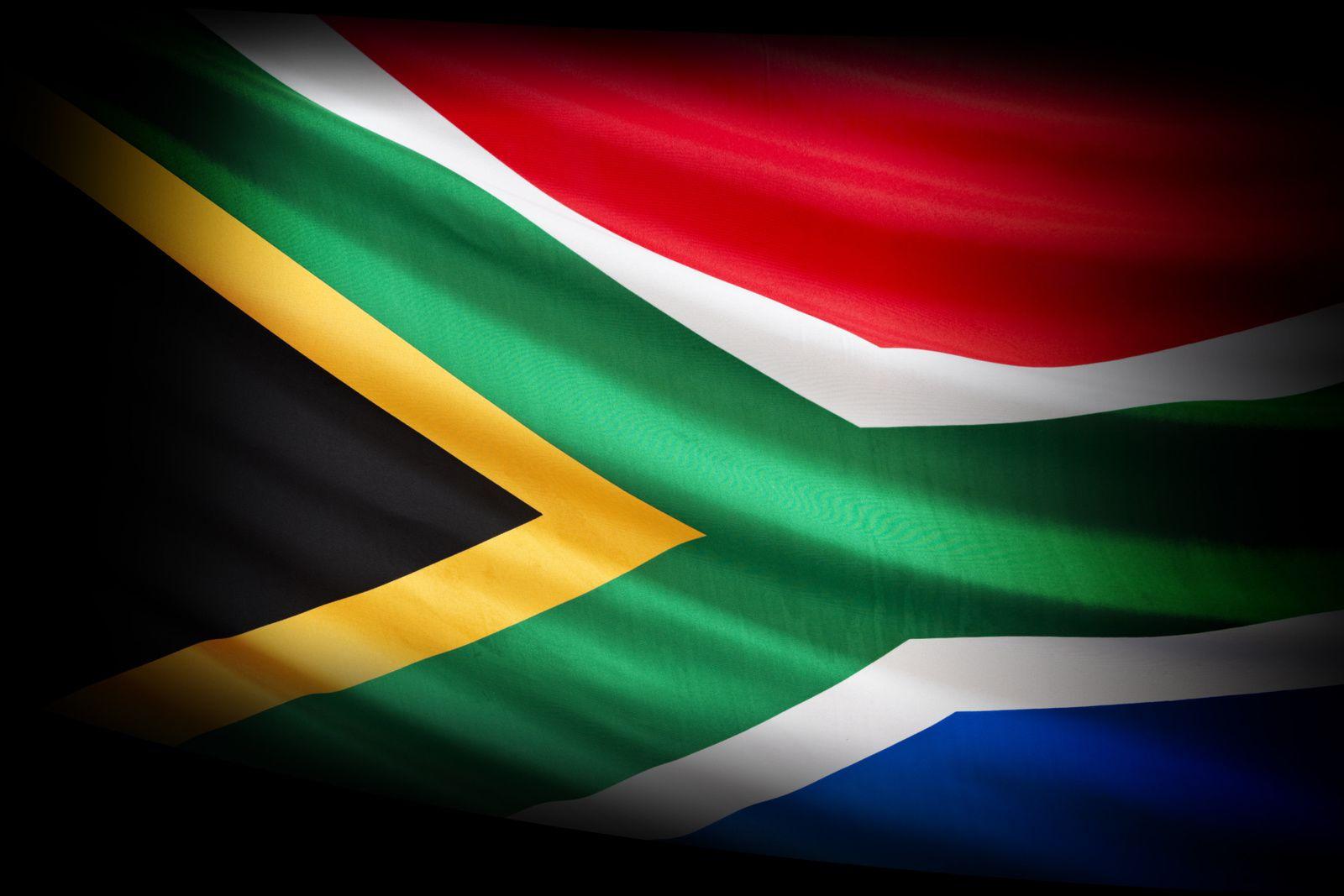"""L'Afrique du Sud rend hommage à """"l'esprit de combat"""" de Winnie Mandela (Afriques en Lutte)"""