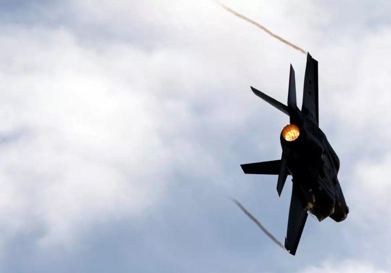 Avion de chase israélien (c) Amir Cohen Reuters