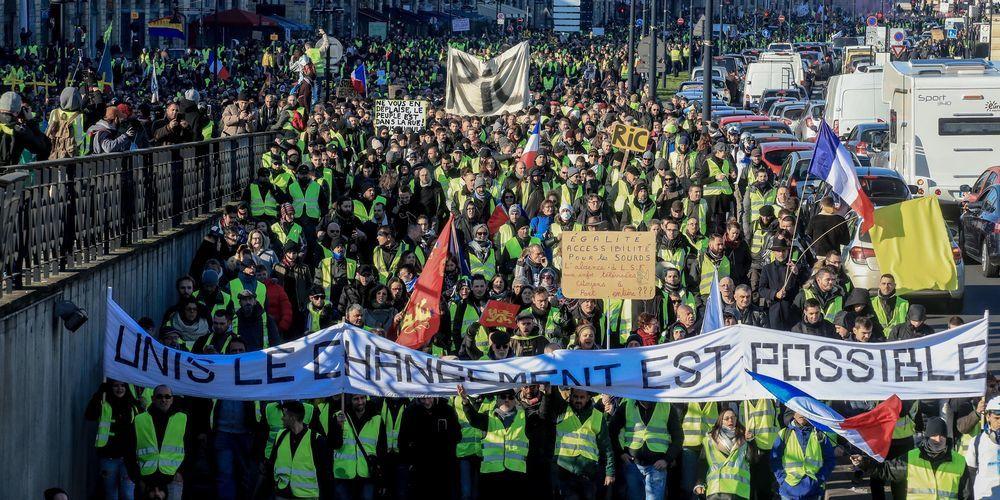 Les gilets jaunes ce samedi 5 janvier à Bordeaux, environ 4000 personnes sont comptabilisées (c) Guillaume Bonnaud.