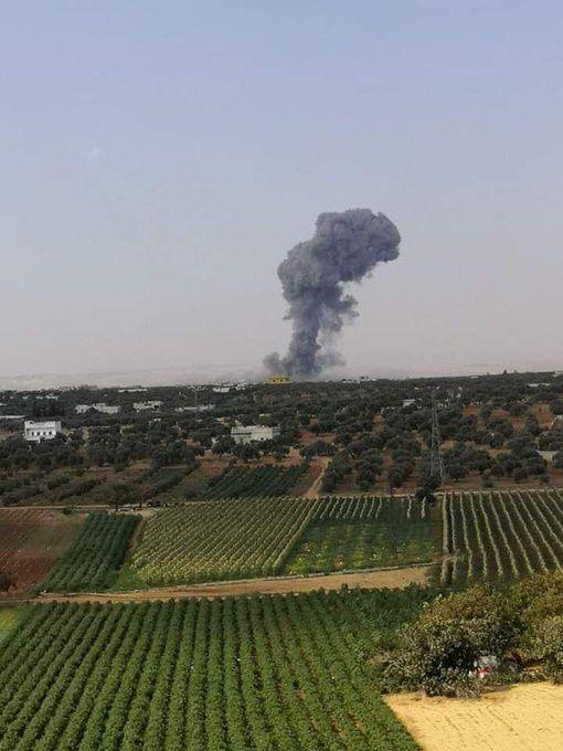 Syrie - Une frappe aérienne étrangère coordonnée tue les dirigeants de deux groupes alignés d'Al-Qaïda (Moon of Alabama)