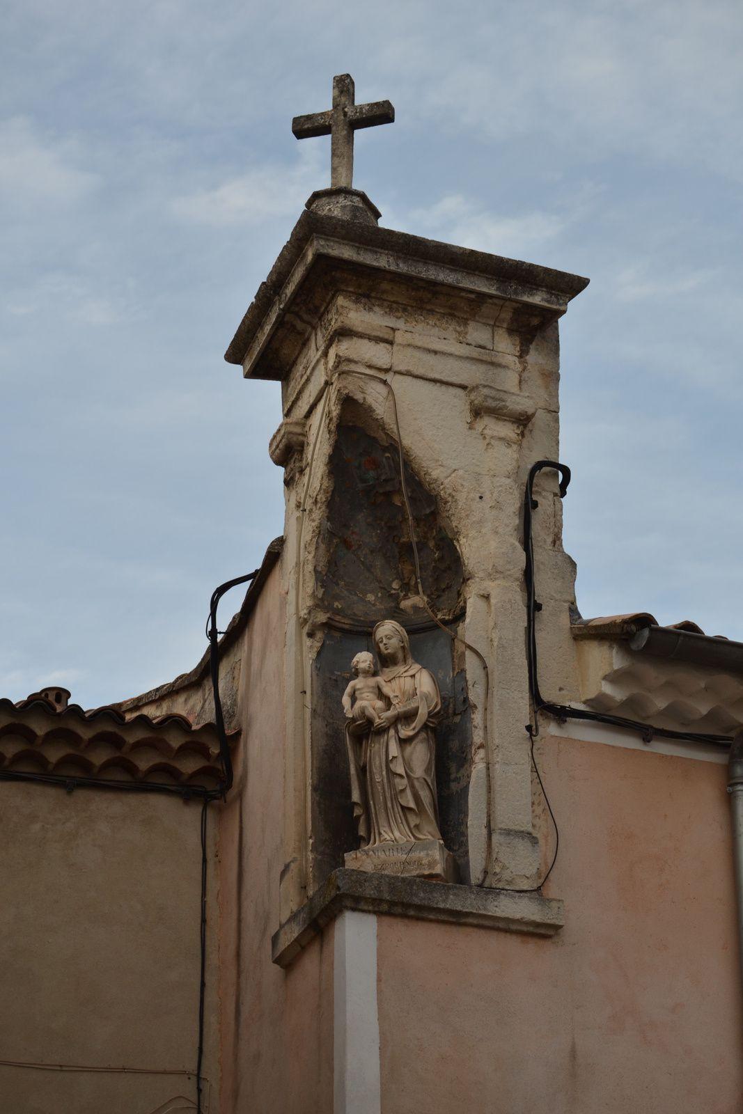 Cet ensemble est classé autitre d'immeuble le 27/06/1983 avec sa niche surmontée d'une croix et au titre des monuments historique le 25/11/1993.