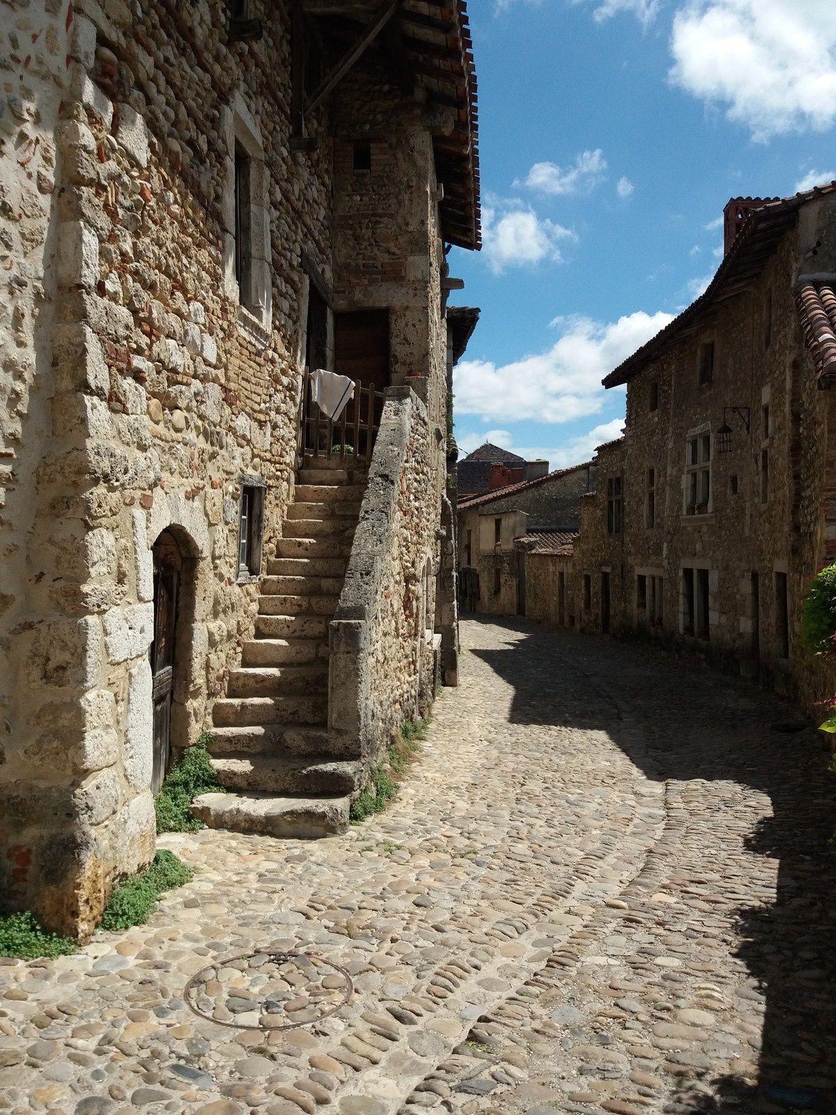 Fin de la visite...satisfait, un vrai beau village.