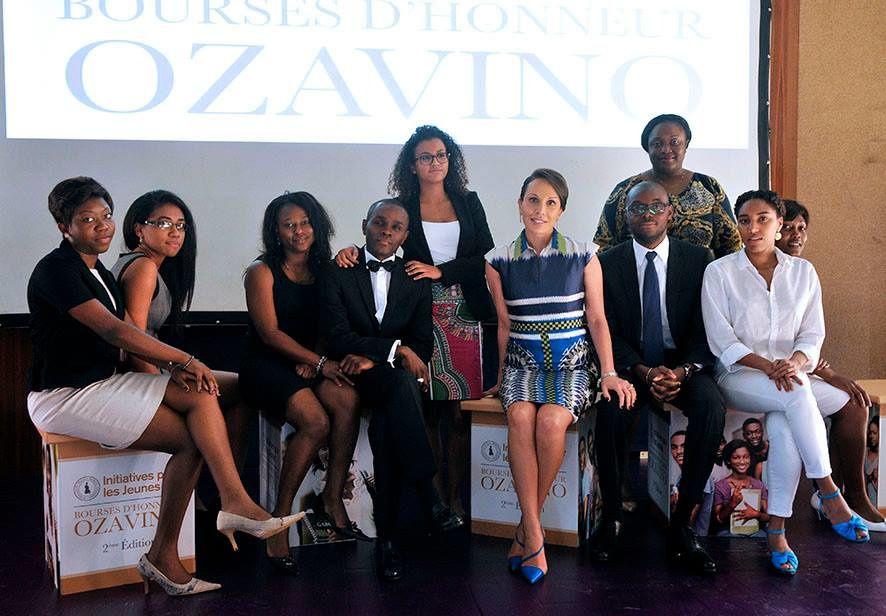 La Première Dame en compagnie des boursières et boursiers 2013 de la Fondation