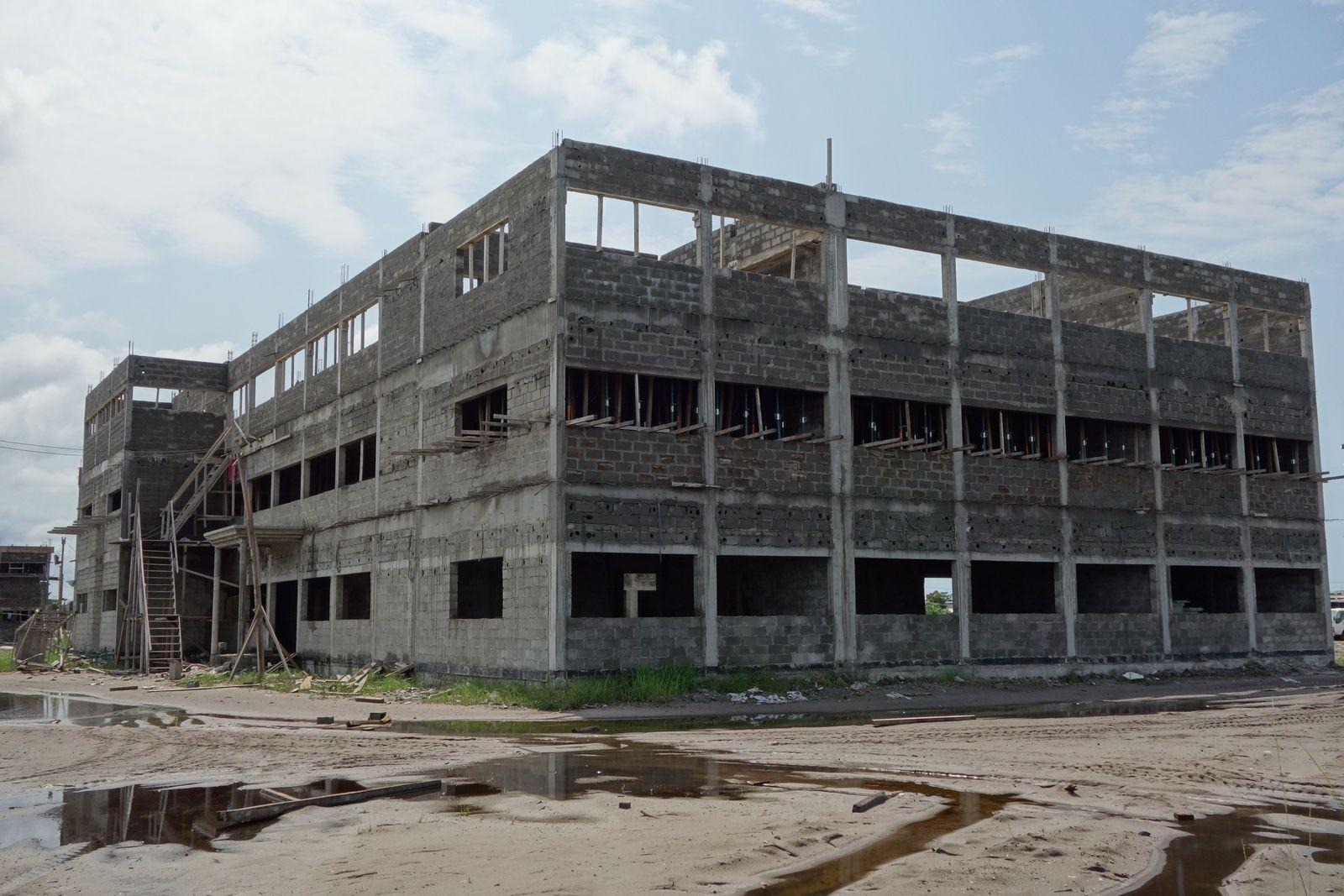 Le Gabon Émergent en Action: Construction de l'Ecole Supérieure de Commerce de Port-gentil