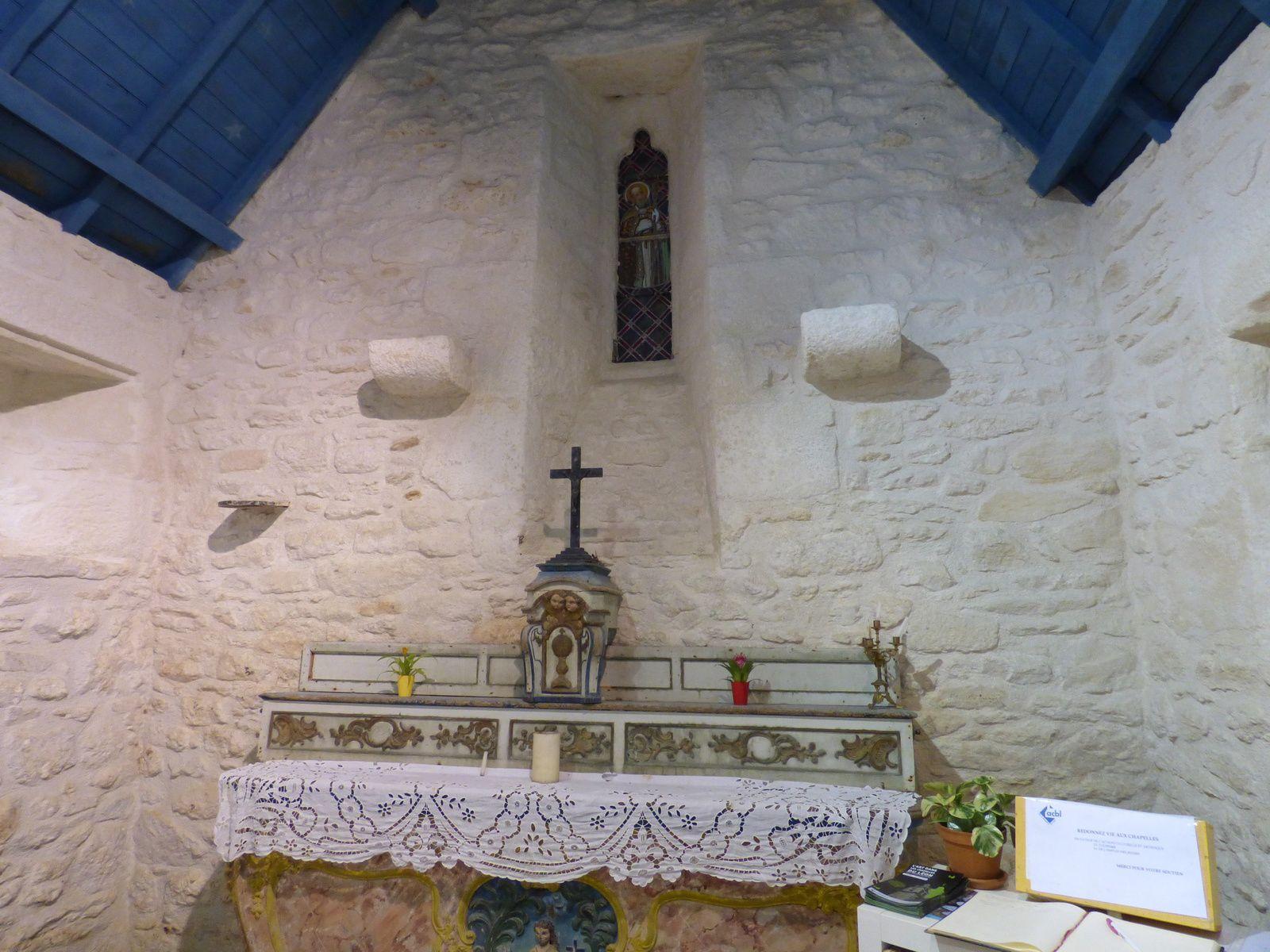 Pol-Aurélien accompagné de Malo, Tugdual, Samson, Brieuc, Corentin et Patern, est considéré comme un des septs saints fondateurs de la Bretagne. Les septs hommes fondèrent sept cités épiscopales . Pol-Aurélien est né 480 ou 492 dans le comté de Glamorgan (Morgannwg) au sud du Pays de Galle, non loin de Cardiff. Selon Wrmonoc, moine écrivain, il débarque sur l'île d'Ouessant à l'emplacement de l'actuel village de Porz Paul aux alentours de 517.