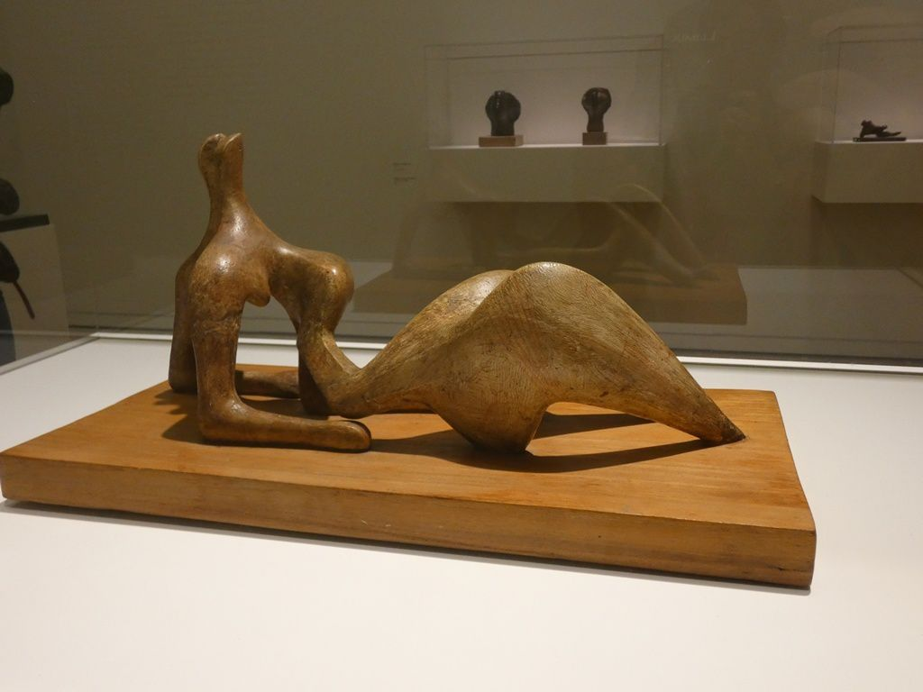 Working model for reclining figure