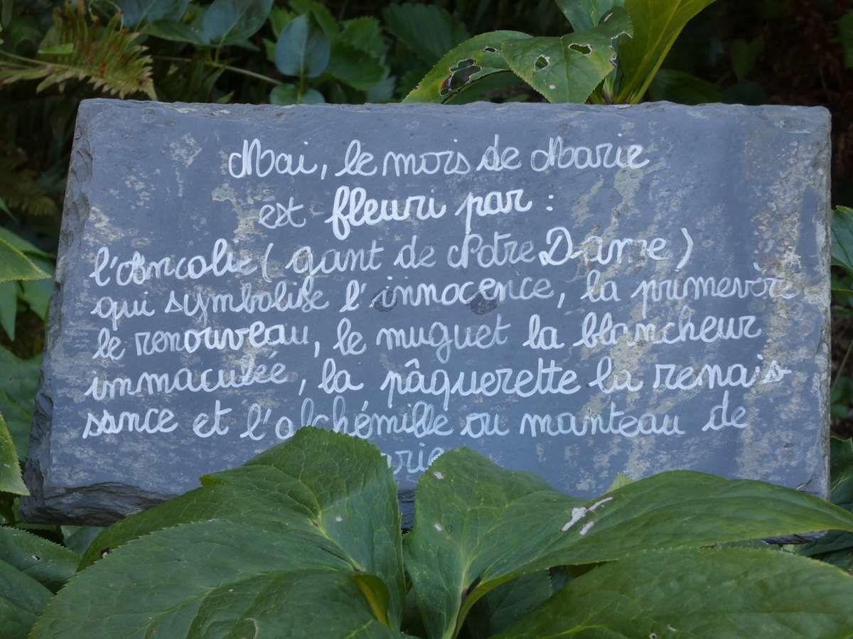 Vitraux et jardin jacquaire à Léhon