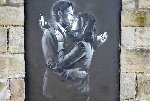 Banksy, Mobile Lovers, 2014