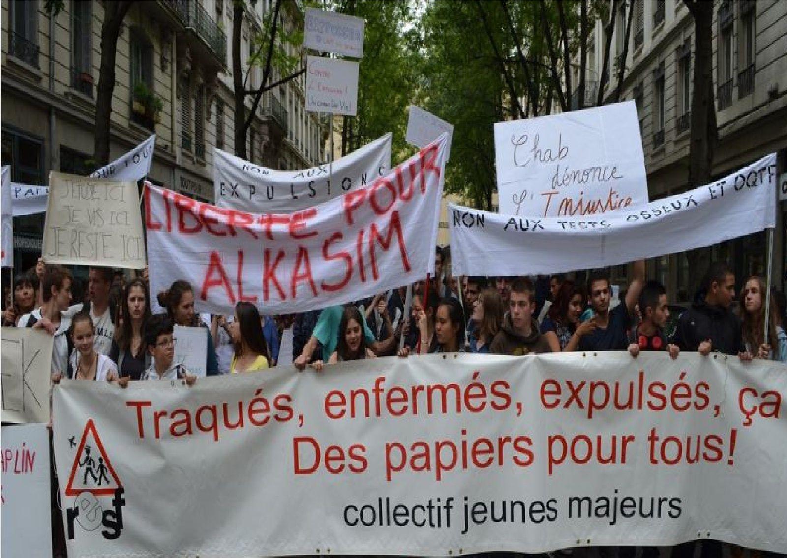 Des élèves français se mobilisent à Lyon pour leurs collègues tchadien et russe