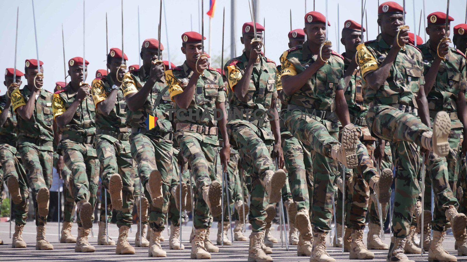 Tchad: pourquoi Idriss Deby procède-t-il à un recrutement massif des combattants?