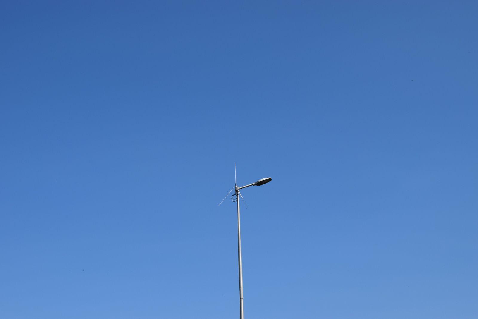 1 ere photo l'antenne radio de transmission des données