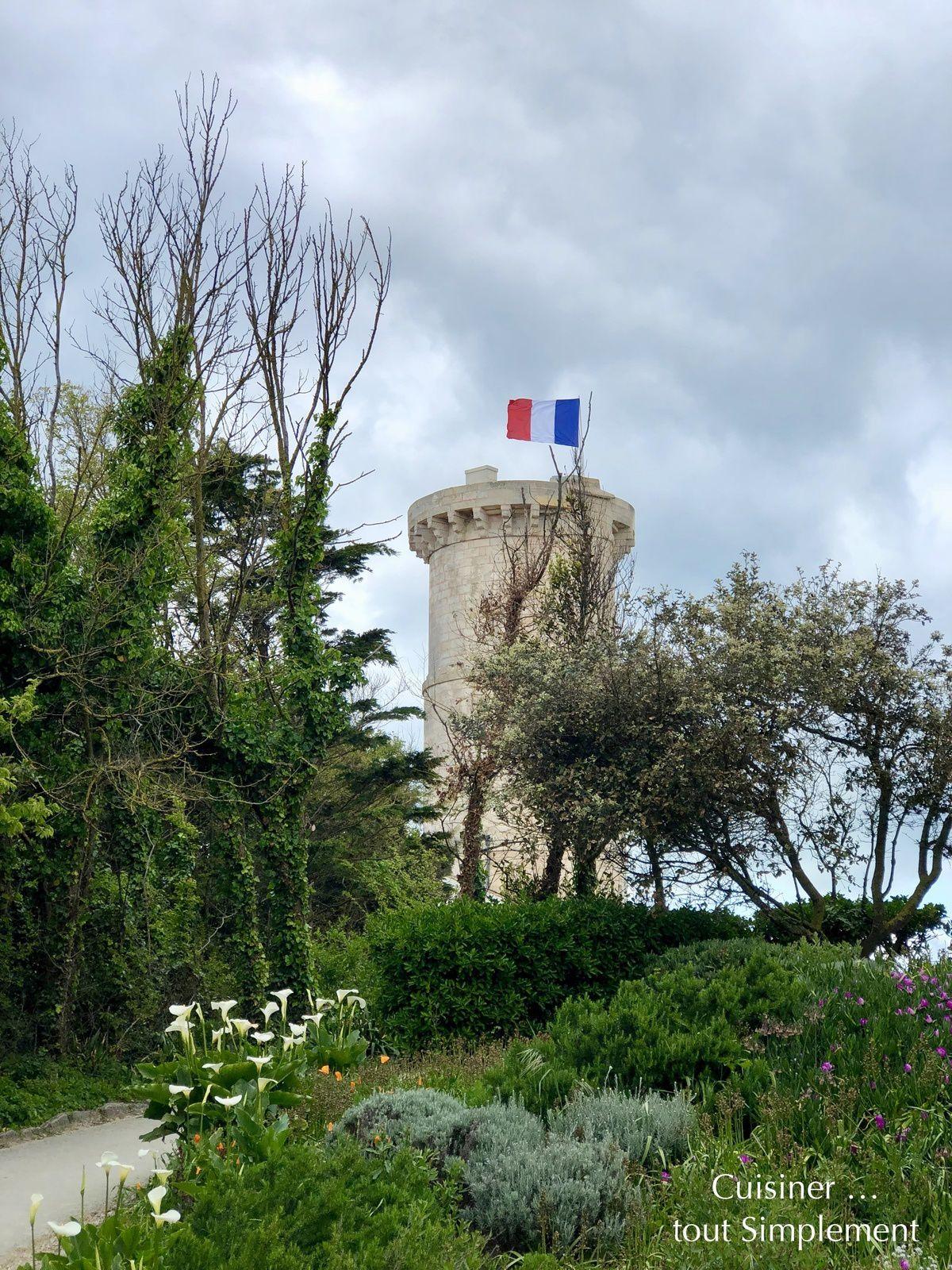 Saint Clément des Baleines - La vieille Tour