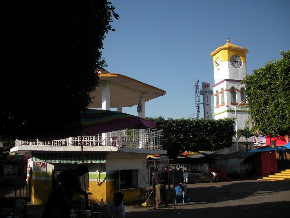 Le Zocalo et son kiosque traditionnel