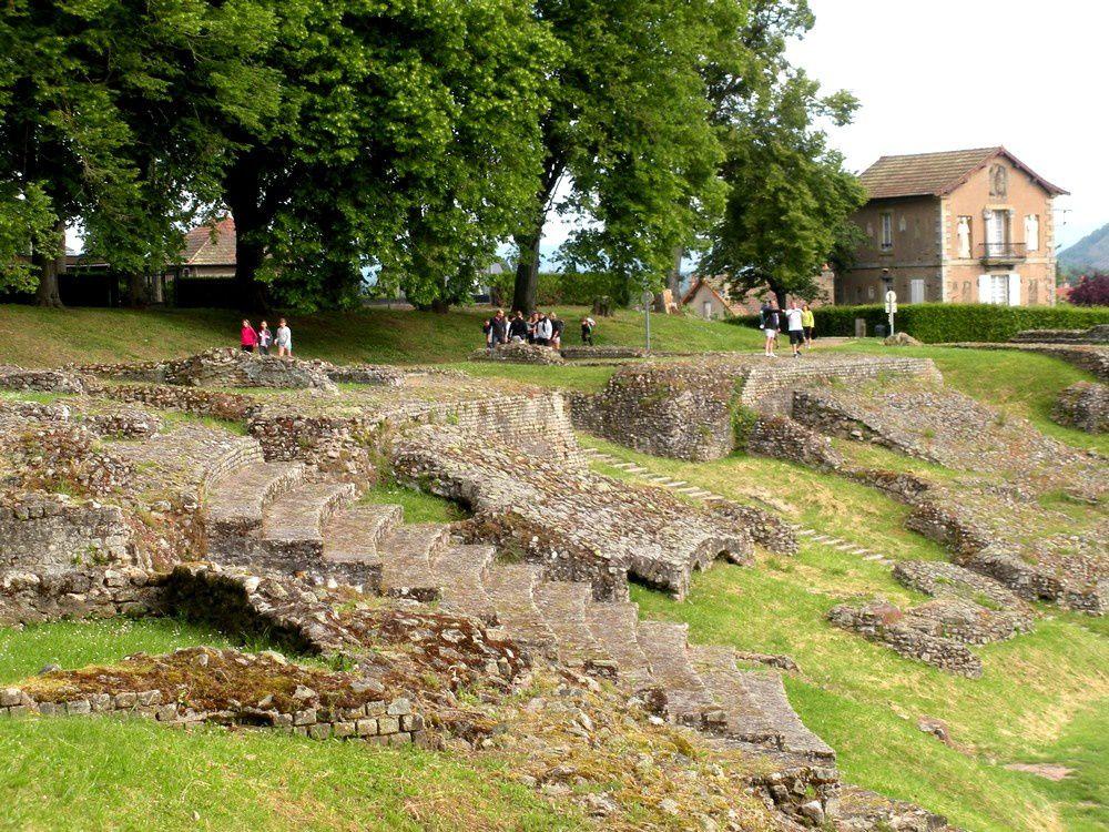 Sur la hauteur du théâtre romain