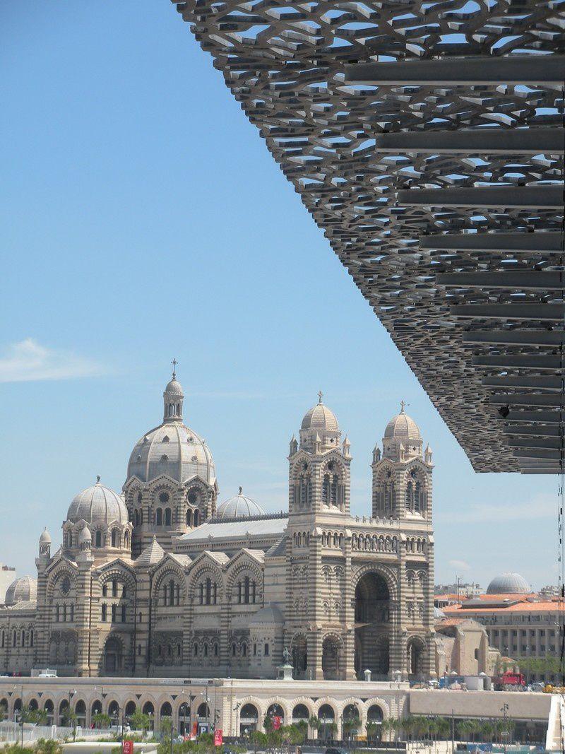 La cathédrale de la Major et N.D. de la Garde, vues du MuCEM.