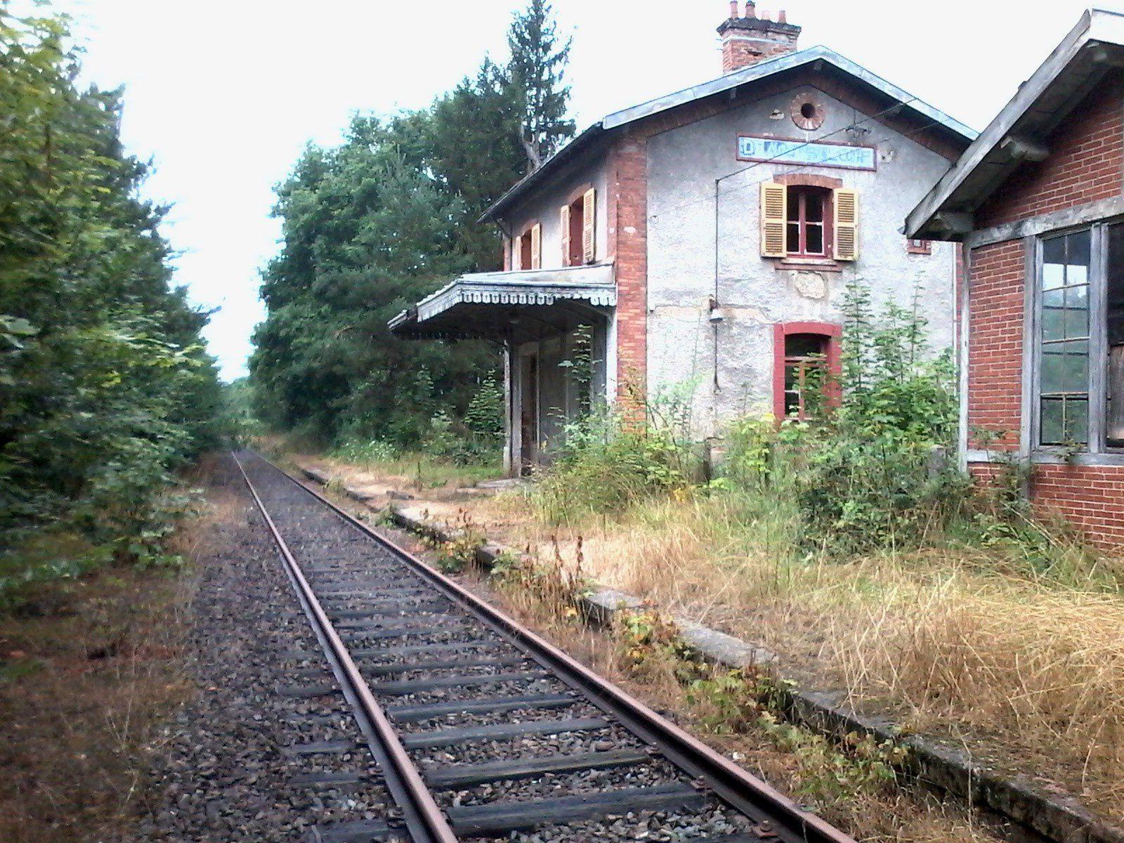 La gare côté voie.