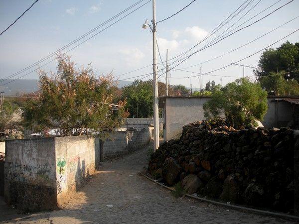 Balade à travers un village aux ruelles intéressantes à parcourir car typiques  de la campagne de Morelos.