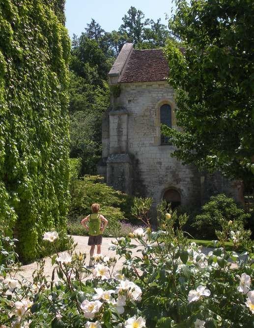 Un des plus beaux sites romans de Bourgogne, photos droits réservés