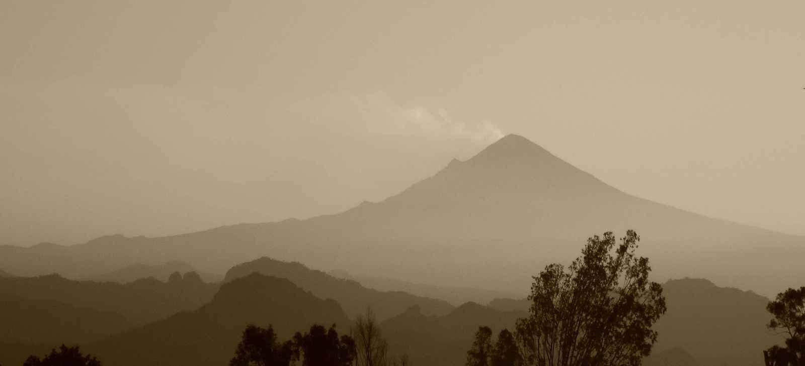 Popocatepetl :  Magie du noir et blanc et nostalgie (?) de mon ancien labo argentique
