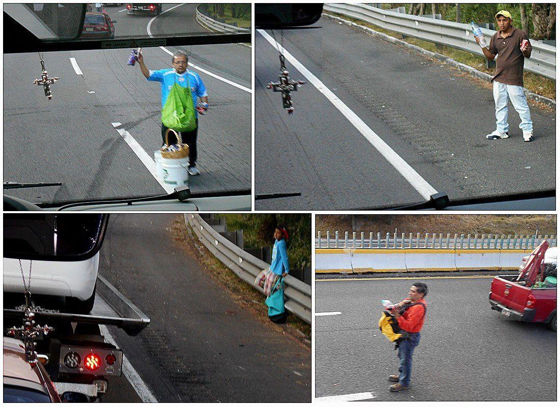 Petits vendeurs au milieu de l'autoroute: gros risques pour quelques pesos mexicains