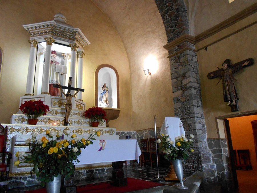 En passant, respirer l'atmosphère de l'église SAN JERÓNIMO à Cuernavaca...