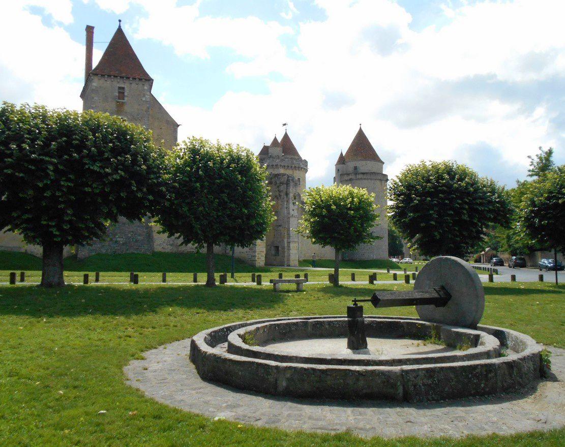 Le château de Blandy fait partie des hauts lieux touristiques du département de Seine-et-Marne font il est la propriété,(visité en compagnie de Valérie et Christian)