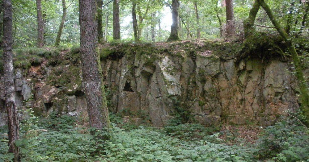 Des grès plaqués au dessus du granite à la Coiffe au Diable