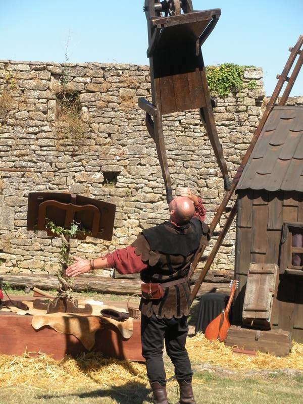 Le Moyen-Age revivait à la forteresse de Thil, plus vieux château-fort de France