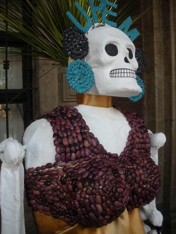 Retour : Et voici pour conclure le Dia de los Muertos une ribambelle de jolies catrinas cuernavacense