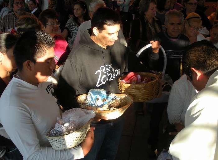 Le dia de la Candelaria, Chandeleur du Mexique, occasion de bénir les poupons représentant Jésus et... de manger des tamales
