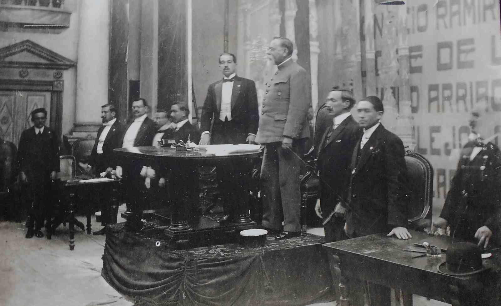 Quand le Mexique raconte, en plein air, et en photos, le centenaire de sa constitution politique