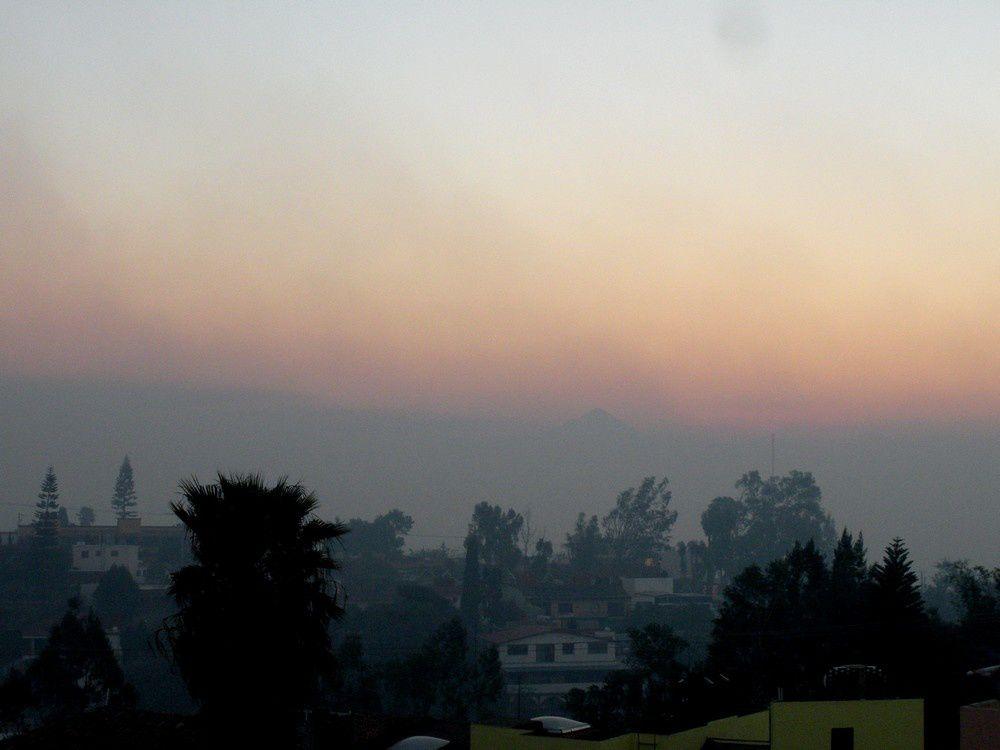 Dernière version : Vécu en  direct : De nombreux incendies tout autour de la ville de Cuernavaca