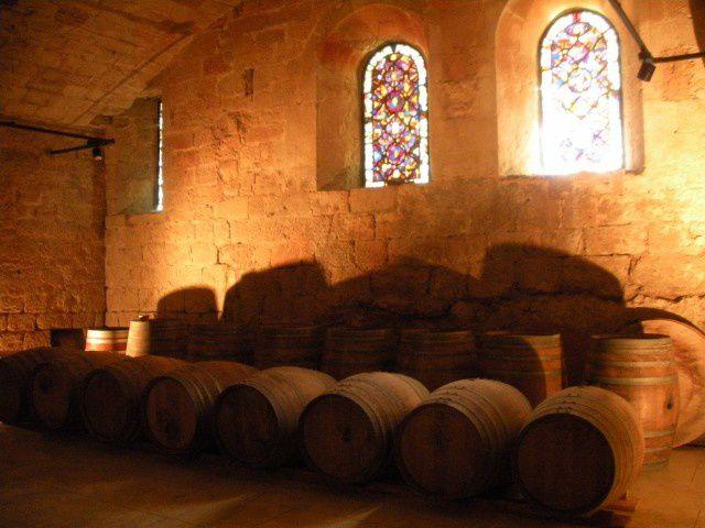 Fontfroide : une vieille abbaye dans un site enchanteur