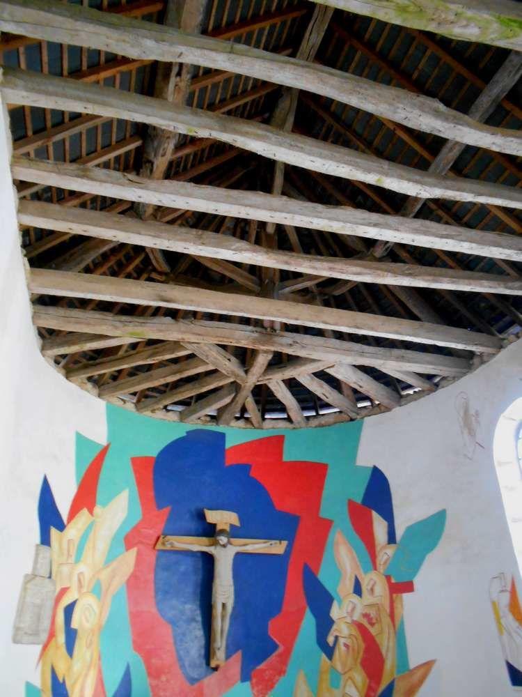 A Vélée, chapelle médiévale et source miraculeuse