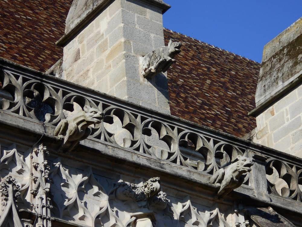 Les gargouilles de la cathédrale d'Autun, à donner le torticolis