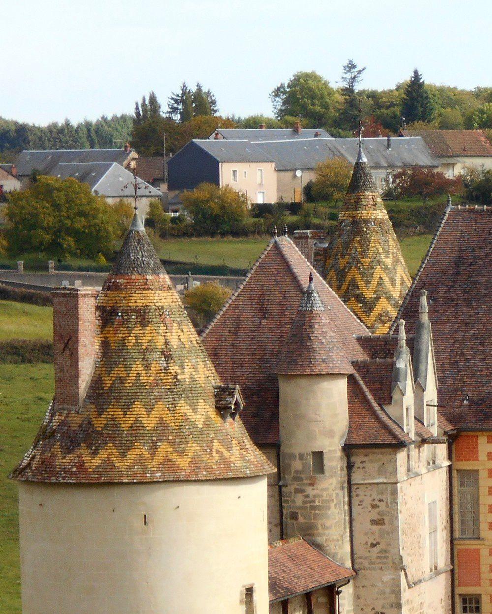 Ménessaire, un château hospitalier à découvrir, mis en vedette par TF1