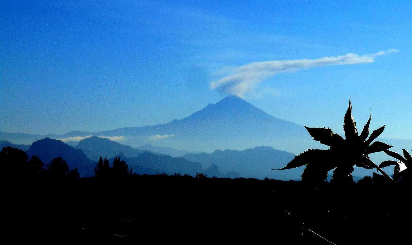 Popocatepetl et  Iztaccíhuatl : volcans de légende
