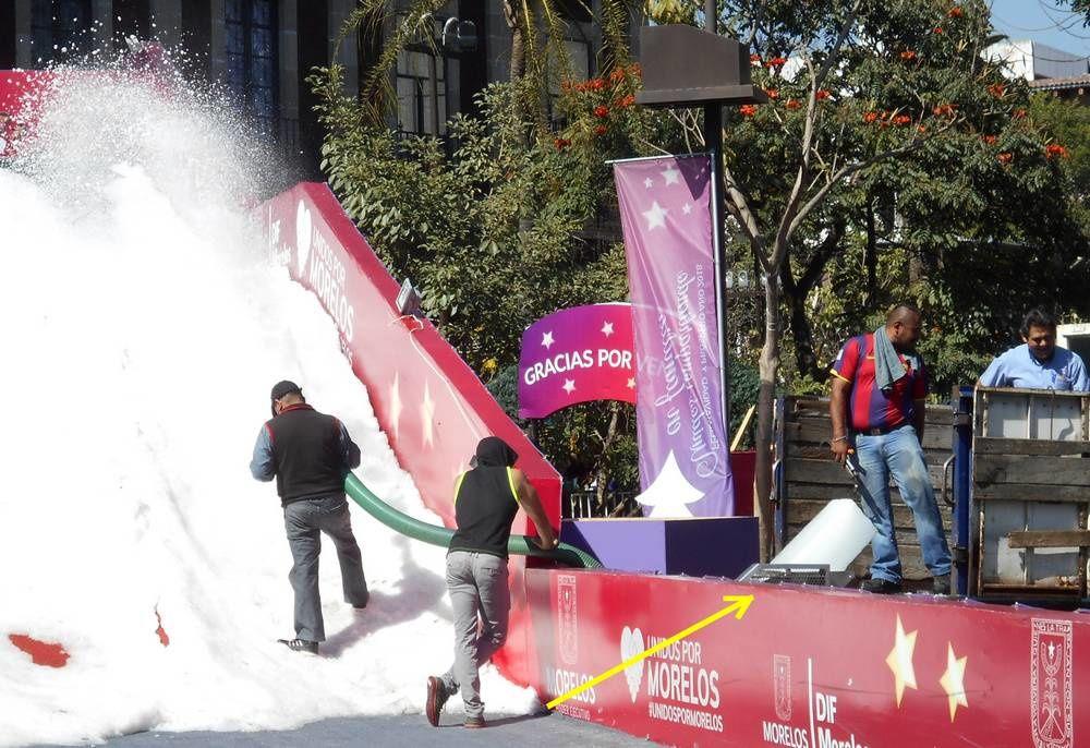 Comment se fabrique la neige artificielle au Mexique, dans la cité de l'éternel printemps ?