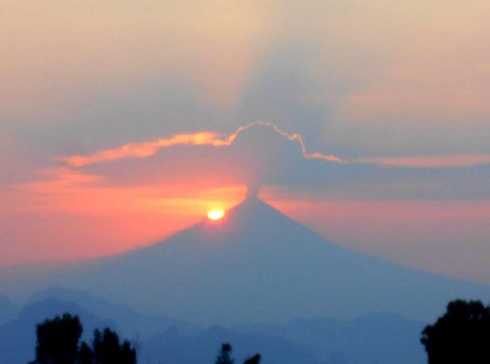 Le Soleil se lève désormais de l'autre côté du Popocatepetl
