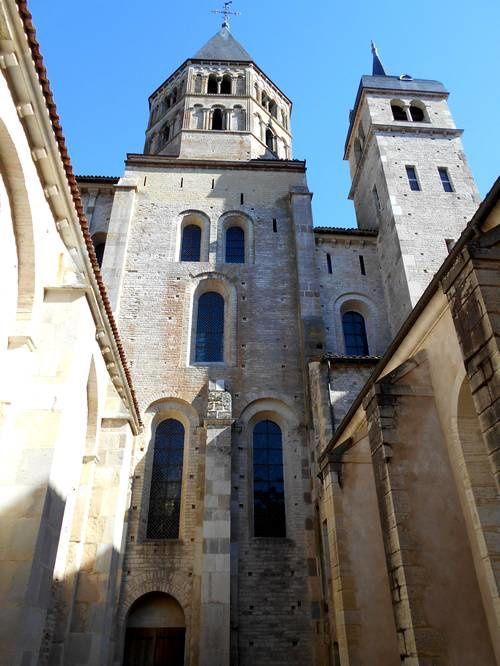 Abbaye de Cluny, capitale spirituelle au rayonnement européen - Un trésor en 2017