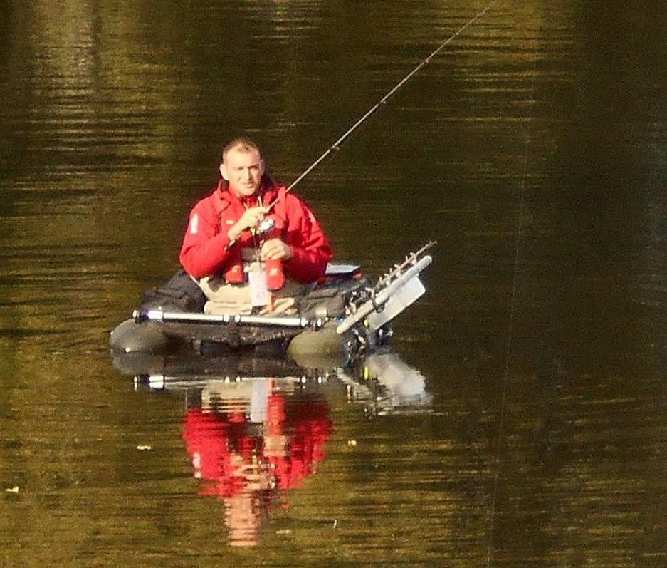 Insolite : Float tube pour pêcher le carnassier autunois