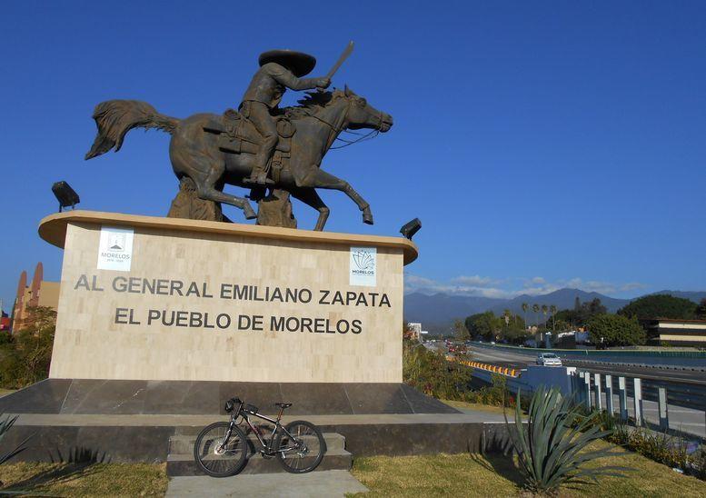 Sur les hauteurs de Cuernavaca, E. Zapata en pleine lumière