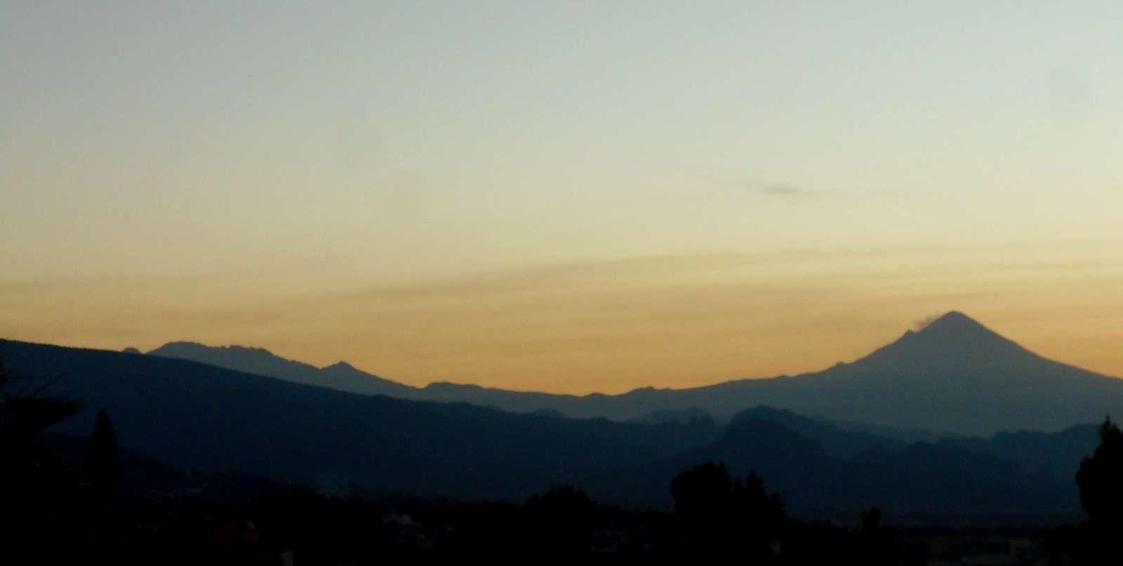 l' Iztaccíhuatl au petit matin...