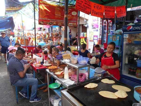 Joyeux Carnaval à Tepoztlan : avec les chinelos