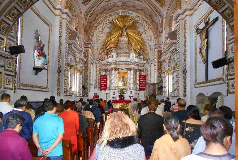 Fête des rameaux : des palmes joliment tressées devant les églises