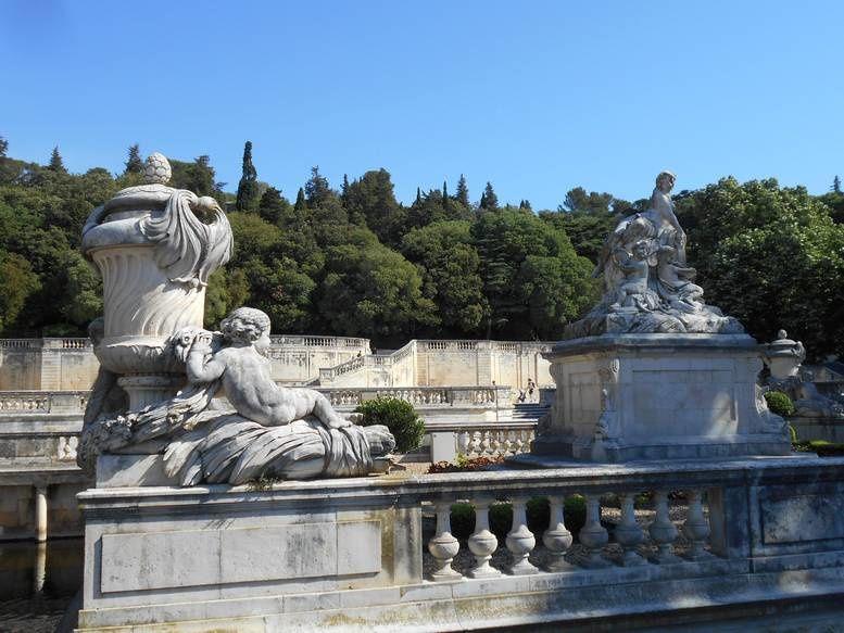 Quelques  images de Nîmes, la Rome française