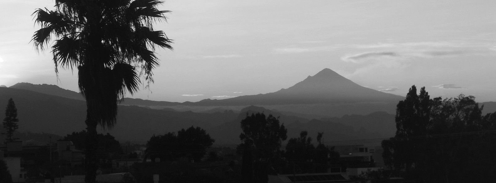 Le Popocatepetl à la veille de l'été