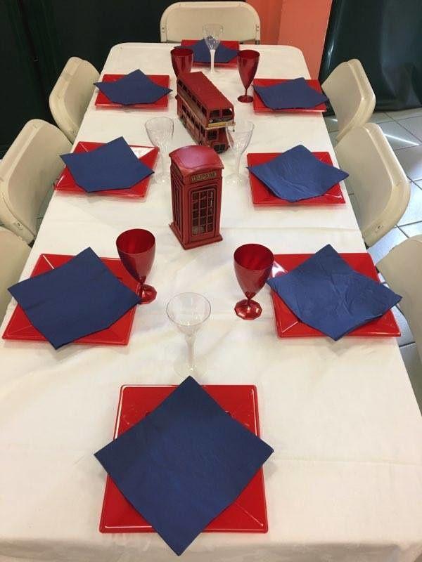 la table Londres (merci Elo pour la cabine et le bus)