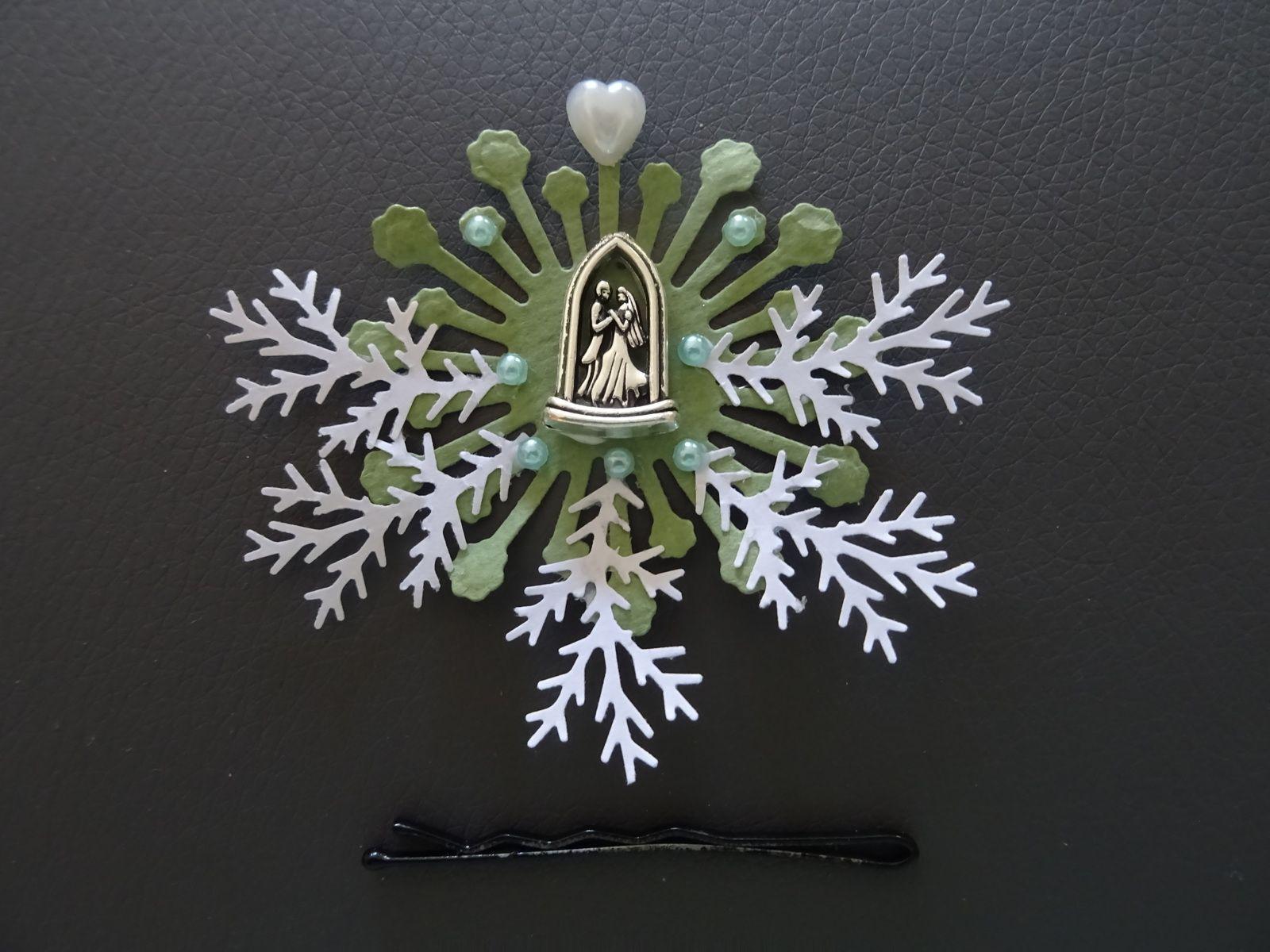 avancée boutique mariage miniature 11 e: des couronnes de fleurs